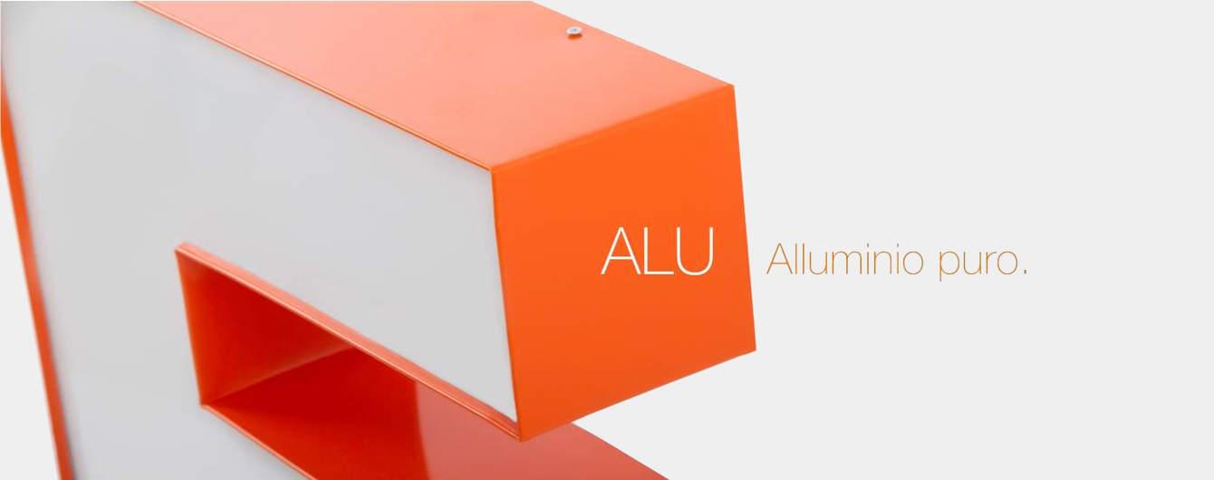 Le lettere luminose ALU utilizzano la leggerezza dell'alluminio e del Plexiglass per uniformare la luce